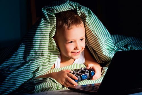 Qual a hora certa de abordar a educação digital com as crianças?